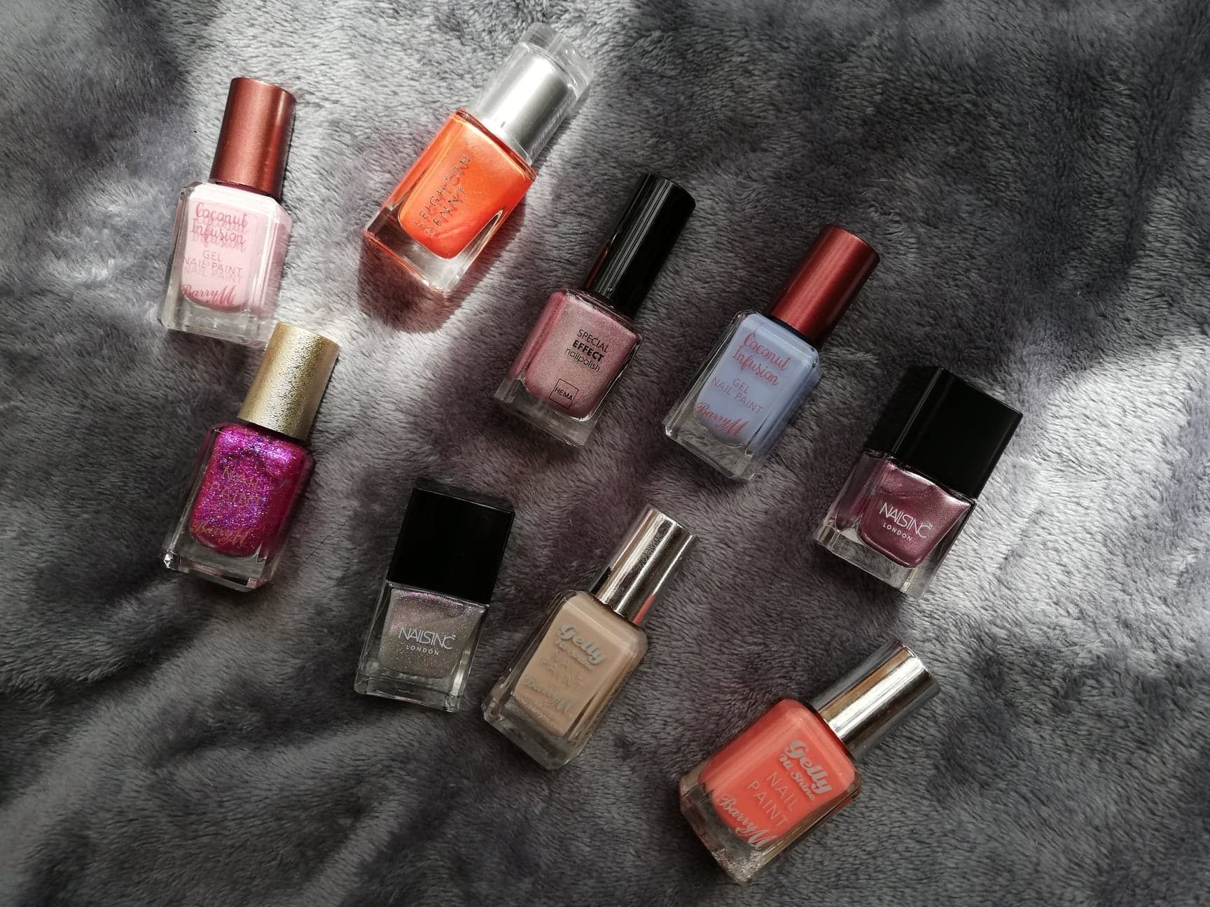 Top summer nail colours